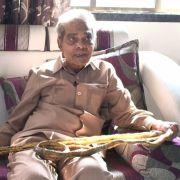 Shridhar Chillal lässt sich seit 1952 seine Fingernägel wachsen.