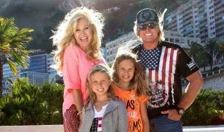 Willkommen im Luxus! Carmen, Robert und ihre Töchter Davina Shakira und Shania Tyra geben Einblicke in ihr glamouröses Leben. (Foto)