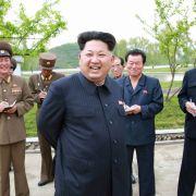 Skurrile Bauch-Analyse: Bringt Kims Wampe das Verderben? (Foto)