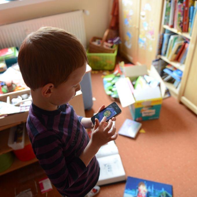 Handy-Schock! So viele Kinder sind suchtgefährdet (Foto)