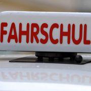 Fahrlehrer fordern: Führerschein für Flüchtlinge! (Foto)