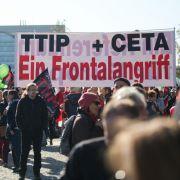 Tausende demonstrieren gegen TTIP in Berlin (Foto)