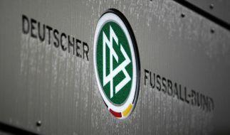 Auch beim DFB gibt es nach dem Fifa-Skandal Ungereimtheiten in Sachen Zahlungsangelgenheiten. (Foto)
