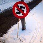 Hakenkreuz auf Auto: Opfer von Nazi-Graffiti droht Anzeige (Foto)