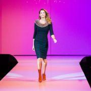 Im vierten Schwangerschaftsmonat und nur anderthalb Monate nach der Trennung von Rafael van der Vaart startet Sabia als Model durch. Da sie keinen Babybauch zeigt, munkeln böse Zungen, sie sei gar nicht schwanger.