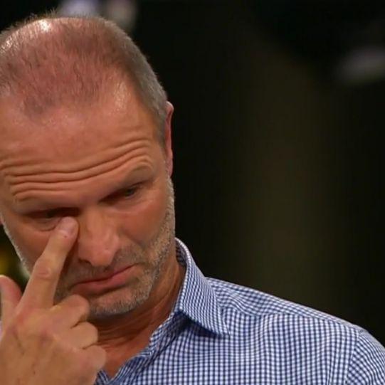 Ex-Bundesligatrainer bricht im Interview in Tränen aus (Foto)