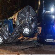Vom LKW am Stau-Ende zerquetscht - 2 Tote! (Foto)
