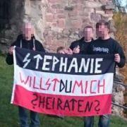 Nazi-Heiratsantrag sorgt für Internet-Spott (Foto)