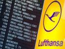 Annuliert sind zahlreiche Flüge der Lufthansa auf der Anzeigetafel im Flughafen in Frankfurt. (Foto)