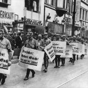 Pegida marschiert in Dresden und München! (Foto)