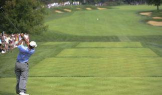 Tiger Woods bei einem Golf-Turnier! Doch wer wird in diesem Jahr den Titel bei den BMW Masters holen? Kann Marcel Siem den Titel verteidigen? (Foto)