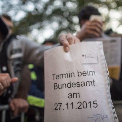2.700 Euro Einstiegsgehalt: Bundesamt für Flüchtlinge lockt mit Top-Beamtenjobs (Foto)