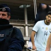 Attentäter mit Sprengstoff-Gürtel am Stadion aufgehalten (Foto)