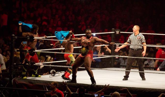 The New Day waren bestritten das erste Match des Abends gegen die Dudley Boyz. (Foto)