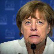 Merkel bleibt Antworten schuldig - Rufe nach Rücktritt (Foto)