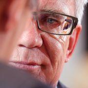 Das Schweigen der Polit-Lämmer: Innenminister sagt lieber nichts (Foto)