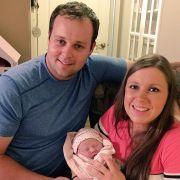 Josh Duggar und mit seiner Frau und seinem jüngsten Baby.