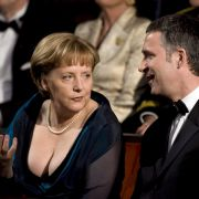 Bei der Operneröffnung in Oslo 2004 zeigte Merkel selbst ziemlich viel Haut.