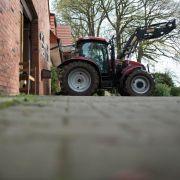 Achtjähriger überrollt Großvater mit Traktor - tot! (Foto)