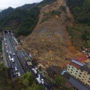 Regenfälle bringen Bergwerk zum Einsturz - über 90 Tote (Foto)
