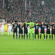 Zwischen Paris, Randalen und Abstiegskampf - Erkenntnisse des 13. Spieltags (Foto)
