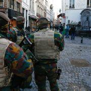 Terroralarm und Terroristenjagd in Belgien - Frankreich greift IS an (Foto)
