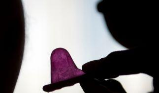 Erschreckende Zahlen veröffentlichte nun Unicef. Demnach würden sich pro Stunde jeweils 26 Jugendliche mit HIV anstecken. (Foto)