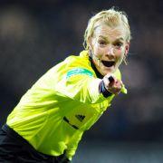 Frauenfeindlich! Fußball-Profi bepöbelt Bibiana Steinhaus (Foto)