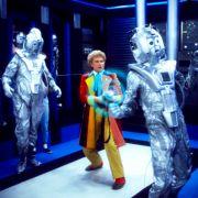 Bunt, böse, bizarr - Colin Baker ist der sechste Doktor (Foto)