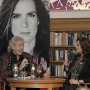 Am Mittwoch stellte die ehemalige Eiskunstläuferin ihr Fotobuch im Gespräch mit Thomas Gottschalk vor.