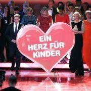 Johannes B. Kerner und Stars sammeln fast 19 Millionen Euro (Foto)