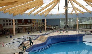 In der Kristall-Therme in Ludwigsfelde wurde ein Mann leblos im Schwimmbecken gefunden. (Foto)