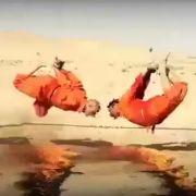 Neues Horror-Video! IS grillt und sprengt Geiseln (Foto)