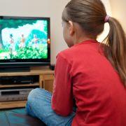 Mehr als drei Stunden Fernsehen am Tag machen blöd (Foto)