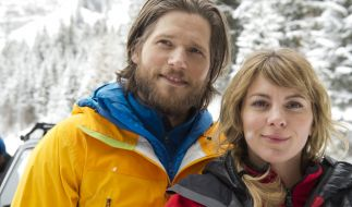 Auch wenn Markus (Sebastian Ströbel, l.) und Katharina (Luise Bähr, r.) es nicht wahrhaben wollen, die gemeinsamen Einsätze gefallen ihnen. (Foto)