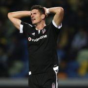 Gomez siegt gegen Podolski! Besiktas schlägt Galatasaray (2:1) (Foto)