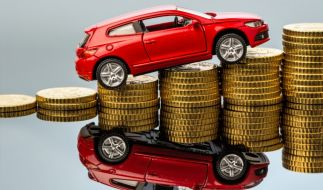 Wenn die Versicherung heimlich die Beträge erhöht, besteht für den Kunden das Sonderkündigungsrecht. (Foto)