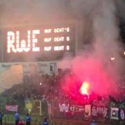 Verbotene Pyrotechnik im Stadion! Kind am Rücken verbrannt (Foto)