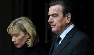 Das ehemalige Kanzler-Paar Gerhard Schröder und Doris Schröder-Köpf gehen nun getrennte Wege. (Foto)