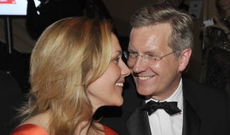 """Sie haben zum zweiten Mal """"ja"""" gesagt: Christian und Bettina Wulff. (Foto)"""