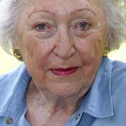 11.08. - Utta Danella (95): Die Bestsellerautorin, deren Tod Anfang Juli erst jetzt bekannt wird, schrieb 43 Romane. Mit einem Verkauf von weltweit über 70 Millionen Büchern war sie eine der kommerziell erfolgreichsten Schriftstellerinnen Deutschlands.