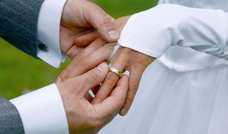 Am Hochzeitstag! Polizei muss gleich zweimal ausrücken. (Foto)