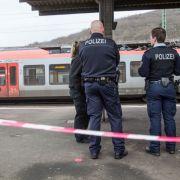Tödliche Messerattacke auf Polizisten - Mutmaßlicher Täter schweigt (Foto)