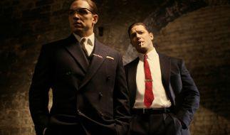 Reggie Kray (Tom Hardy) hat gemeinsam mit seinem Zwillingsbruder Ron (ebenfalls Tom Hardy) die Unterwelt im Londoner East End fest im Griff. (Foto)