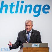Seehofer fordert Obergrenze von 200.000 Flüchtlingen pro Jahr (Foto)
