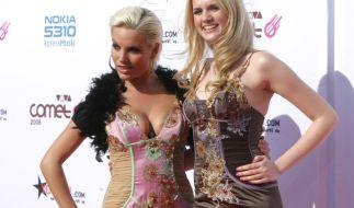 Gina-Lisa Lohfink und Sarah Knappik: 2008 waren die beiden Blondinen noch unzertrennlich. (Foto)