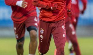 Trainingsauftakt in München: Robert Lewandowski beim Aufwärmen. (Foto)