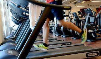 10 Minuten im Fitnessstudio abrackern reicht nicht aus, um den gewünschten Erfolg zu sehen. (Foto)