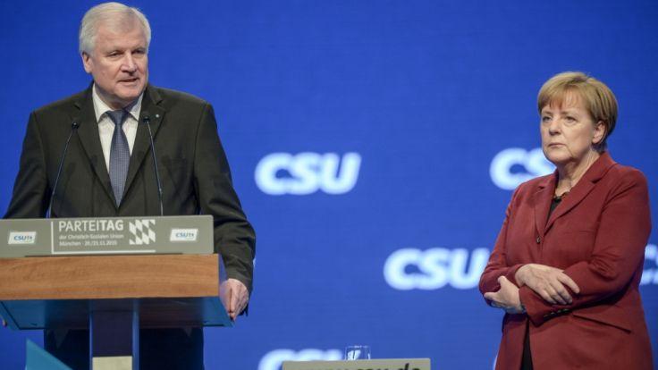 Die Kontrahenten: CSU-Chef Horst Seehofer und Bundeskanzlerin Angela Merkel (CDU). (Foto)