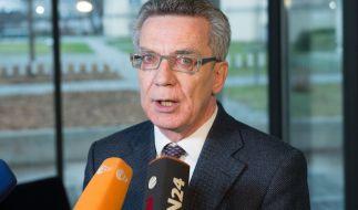 """Bundesinnenminister Thomas de Maizière: """"Die Verfahren müssen beschleunigt werden."""" (Foto)"""
